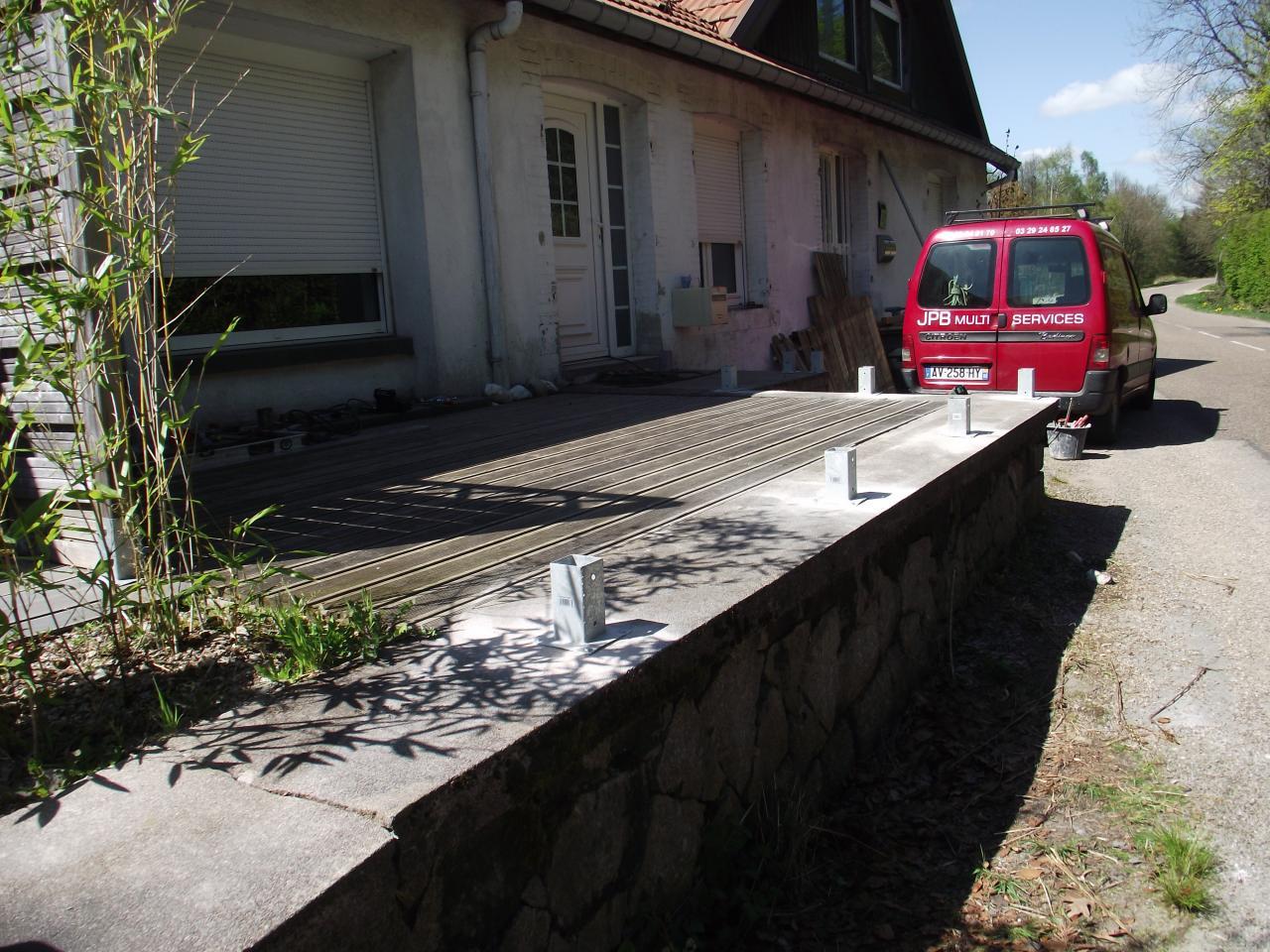 Pr paration pour pose cl ture bois et portillon sur terrasse for Portillon terrasse