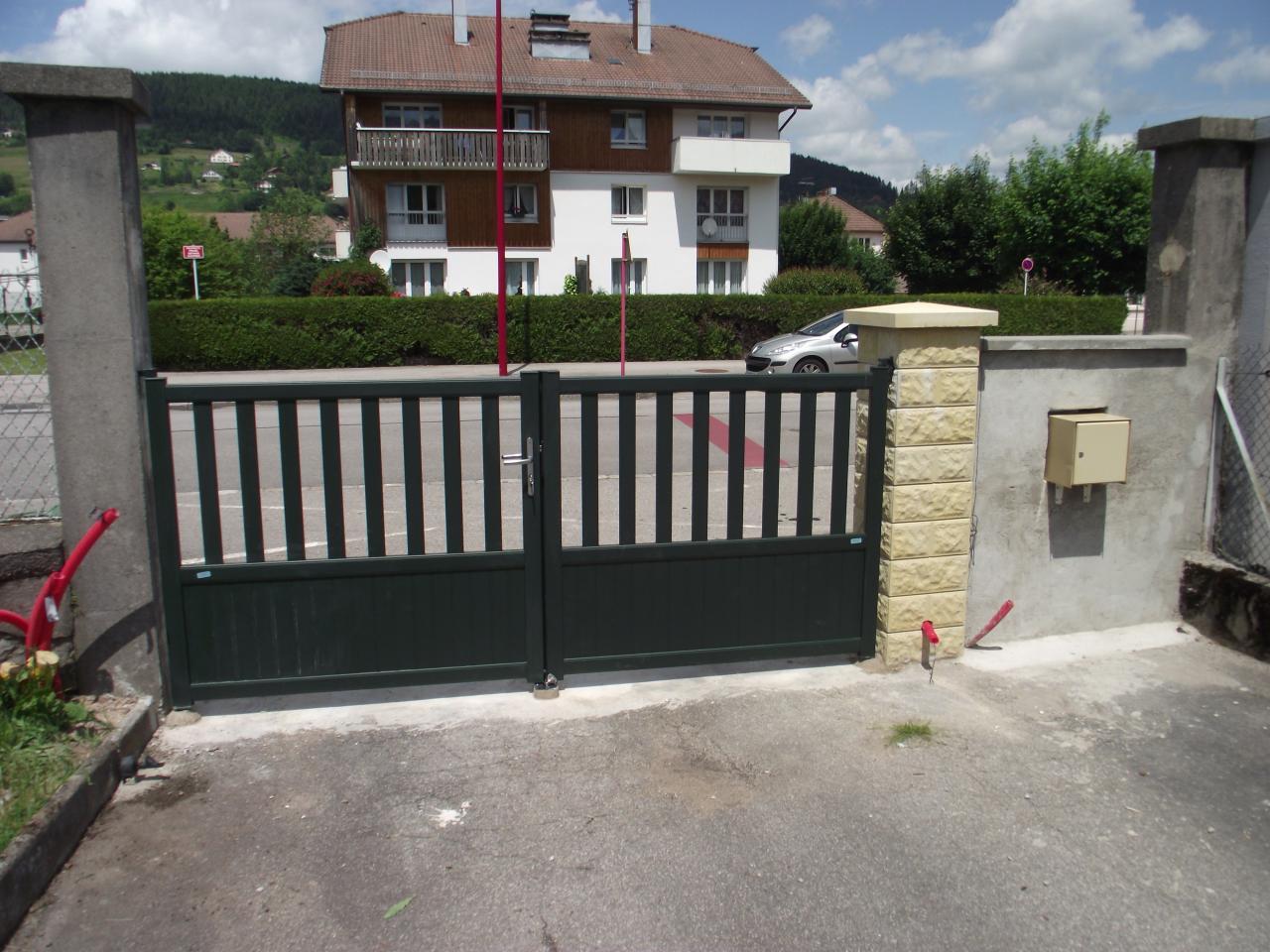 R ception du portail et pose autre angle - Portail d angle ...