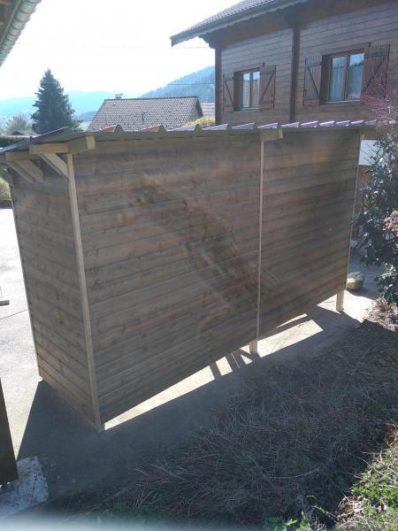 Fabrication, montage et pose d'un abri bûches à bois (10 stères), suite autre vue.