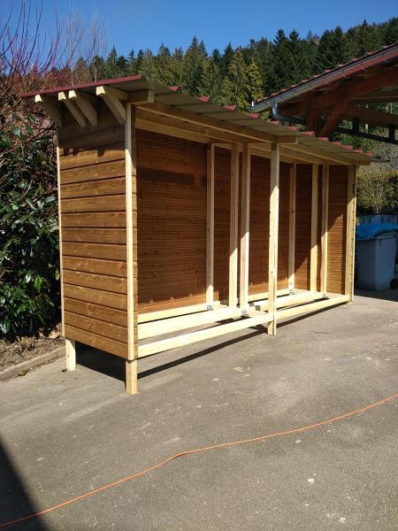 Fabrication, montage et pose d'un abri bûches à bois (10 stères), suite