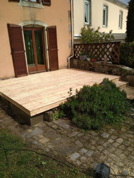 Ancienne terrasse rénové avec lames bois