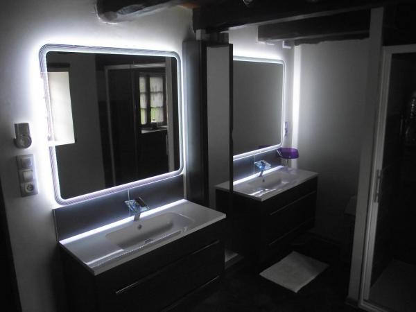 Nouvelle Salle de Bains, meubles vasques, miroirs.