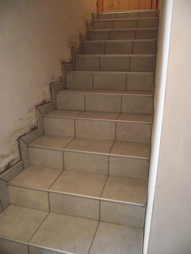 Pose carrelage sur escalier autre vue for Pose carrelage sur escalier