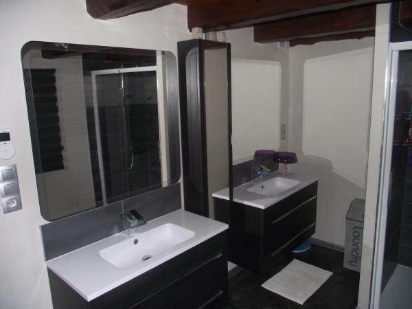 Nouvelle Salle de Bains, meubles vasques, miroirs, autre vue.
