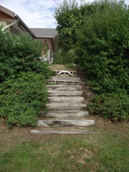 2ème escalier extérieur à rénover.
