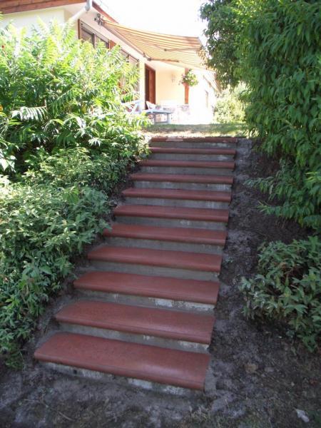 2ème escalier extérieur rénové.
